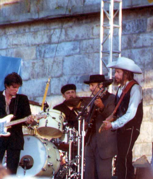 Bob Dylan at 2002 Newport Folk Festival concert review by Dave Conlin Read
